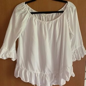 Beachlunchlunge off the shoulder white ruffle top